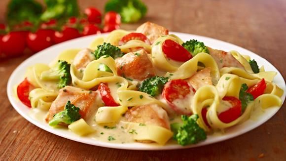http://www.knorr.nl/recepten/detail/12681/1/romige-tagliatelle-met-broccoli-en-kip